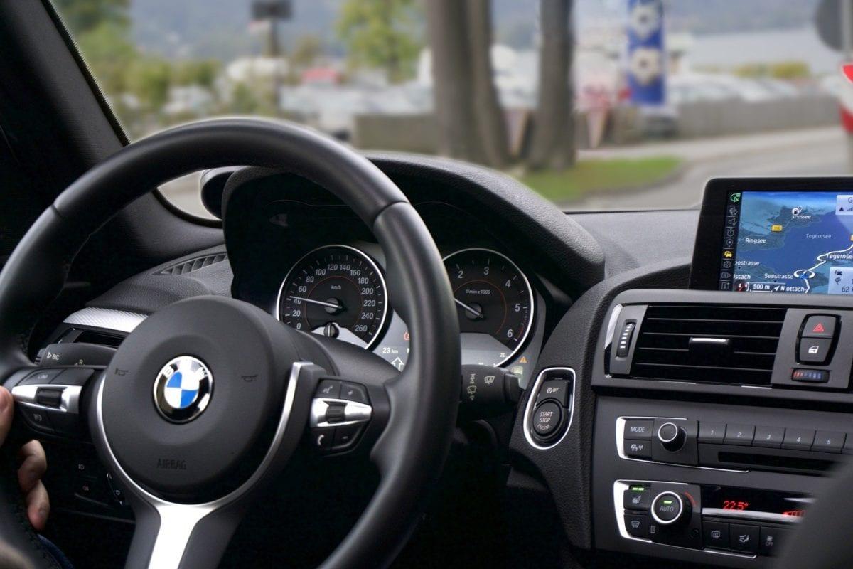Sprawdzanie używanego samochodu przed zakupem