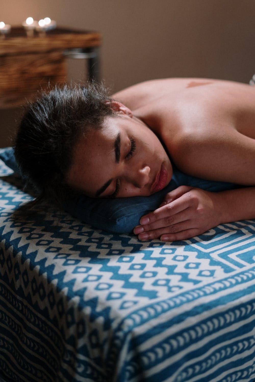 Dlaczego świece do ucha są dobrym sposobem na leczniczy relaks?