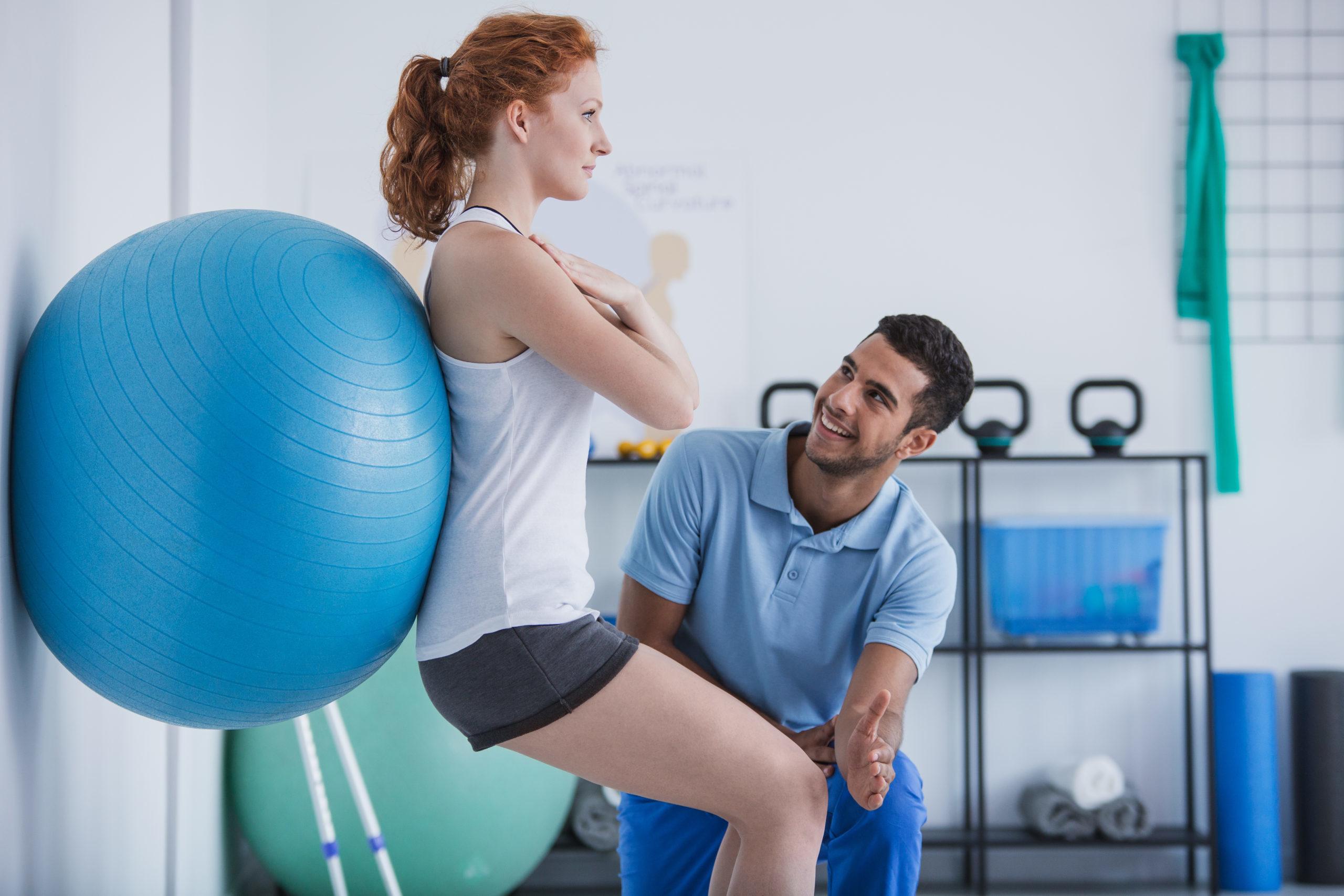 Ćwiczenia z piłkami idealne na ból kręgosłupa
