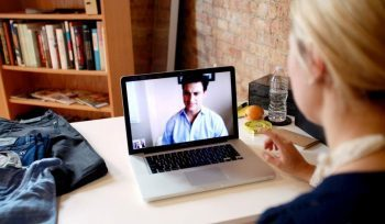 Dlaczego warto uczyć się angielskiego przez Skype?