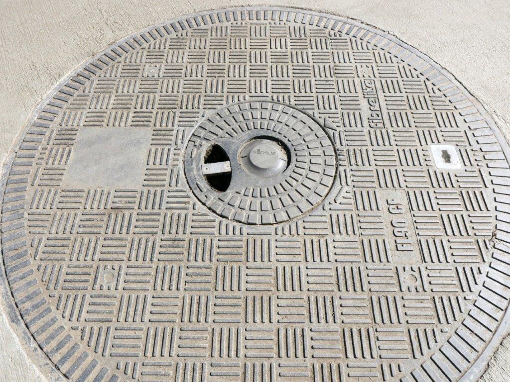 Kompozytowe pokrywy do studni – wytrzymałe rozwiązanie na lata