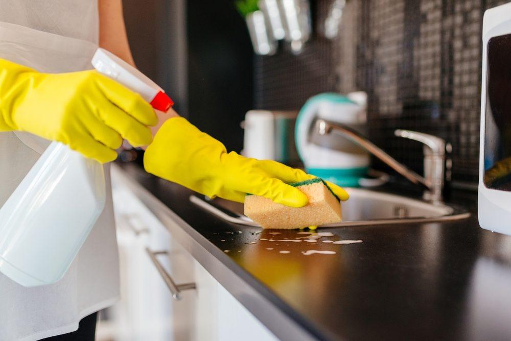 Sprzątanie kuchni nie musi być wyzwaniem – praktyczny poradnik